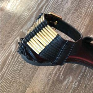 Candie's Shoes - EUC   Candies   Black & Gold Summer Sandal